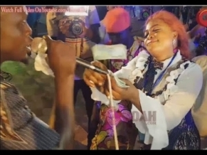 Video: Kemi Afolabi Shows Off Her Excellent Dancing Moves As Pasuma Boy Performs